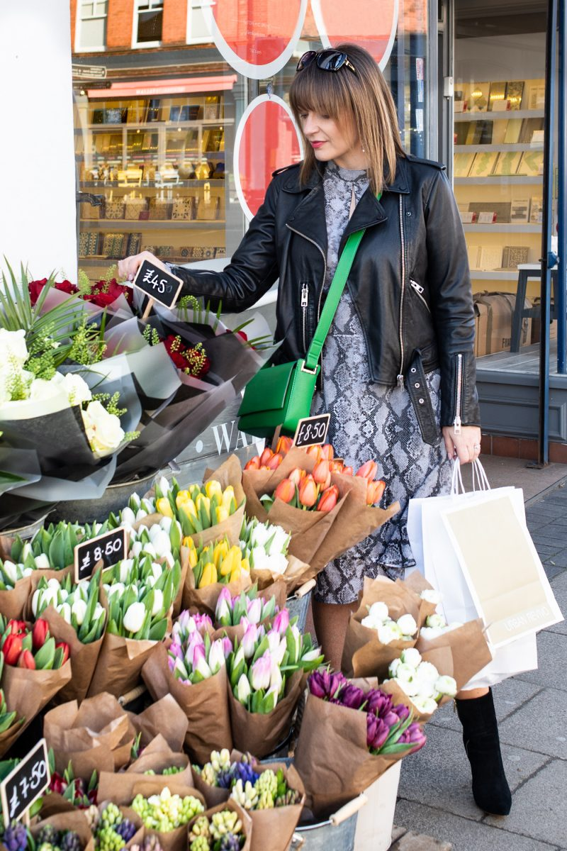 lizzi richardson flower stall