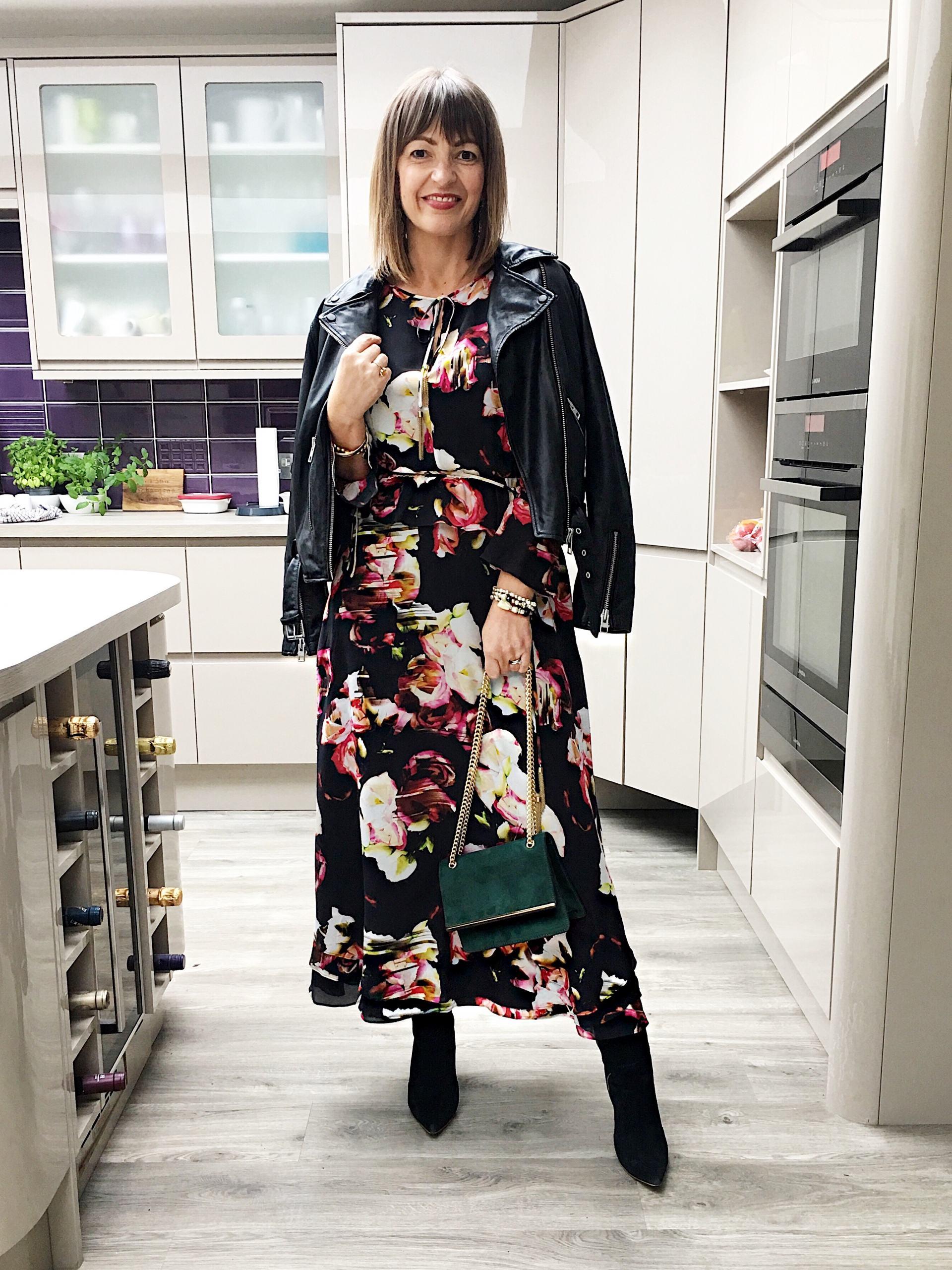 Lizzi Richardson ootd Ophelia Dark Midi