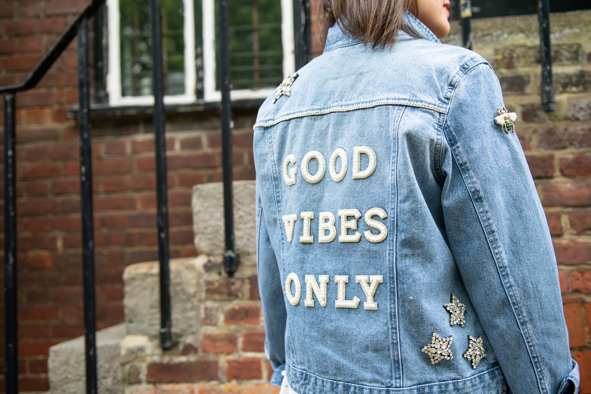 UPCYCLING DENIM JACKETS WITH DIVINING STYLE