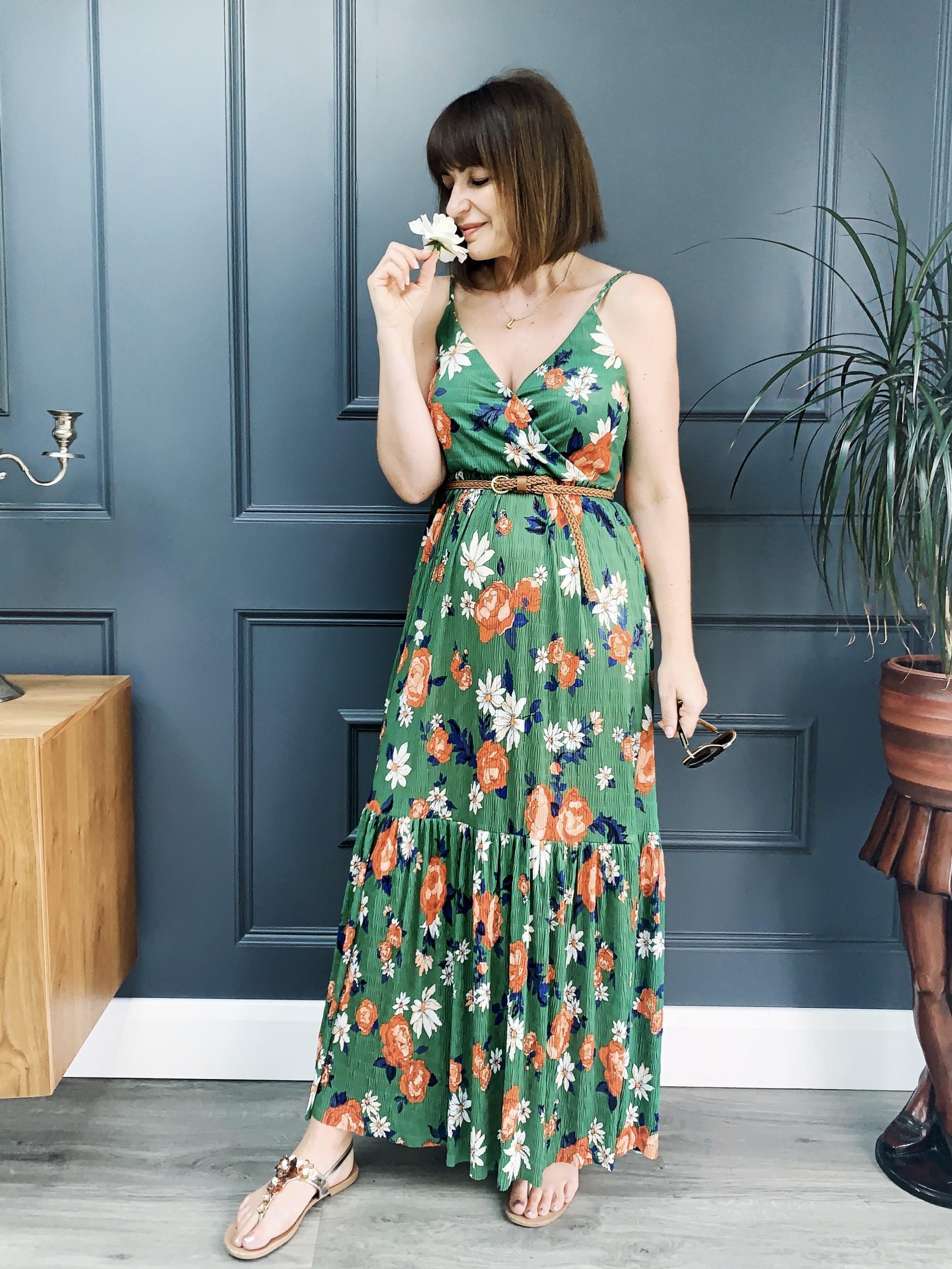 Lizzi in green Zara floral print dress